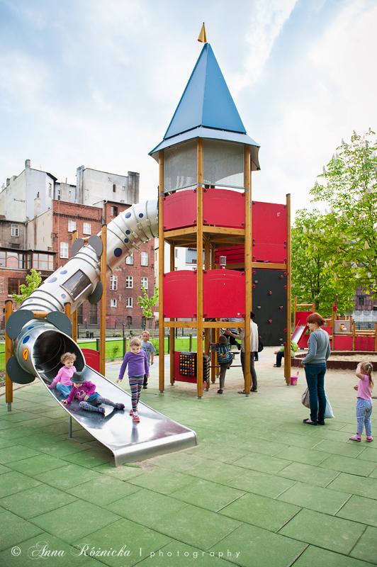 Fotografia dziecięca - sesja na placu zabaw