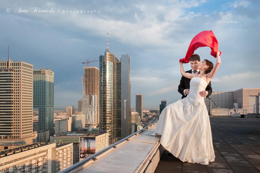 plener ślubny na dachu Warszawa